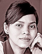 கார்த்திகா சாரி தேவி சுகர்னோ