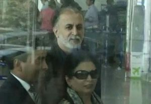tejpal-in-airport-2