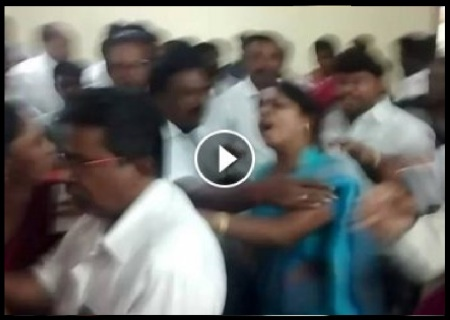 Congress women wing leaders fight - 06-06-2017-10