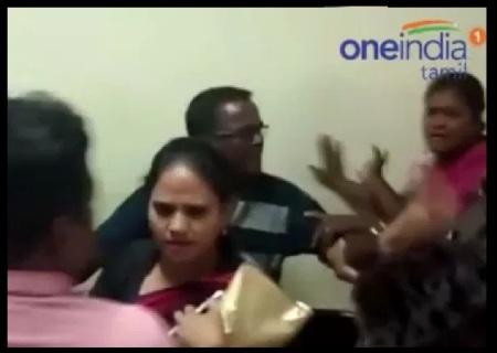 Congress women wing leaders fight - 06-06-2017-8
